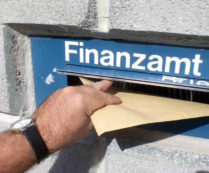 Steuerexperiment - Kleine Läden gegen Steuermoral großer Konzerne