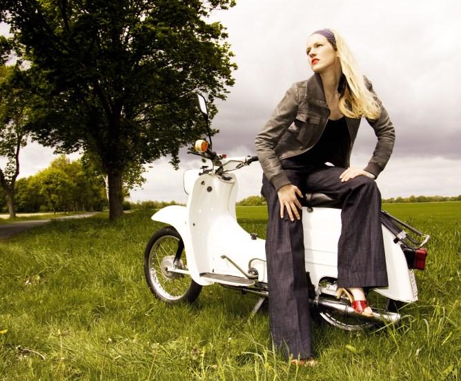 gr n statt blau neue kennzeichen f r mofas mopeds co. Black Bedroom Furniture Sets. Home Design Ideas