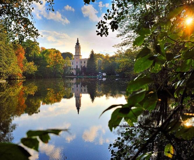 Schloss Dammsmühle mit See © Frank Liebke