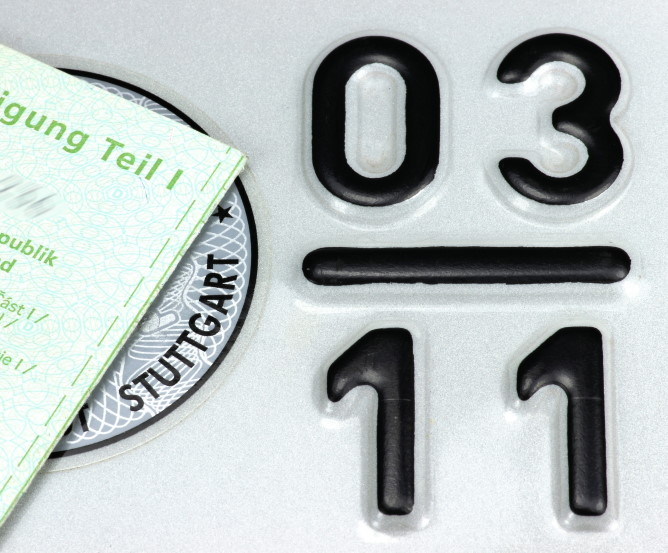 Saisonkennzeichen (3-11) März bis November © Björn Wylezich – stock.adobe.com